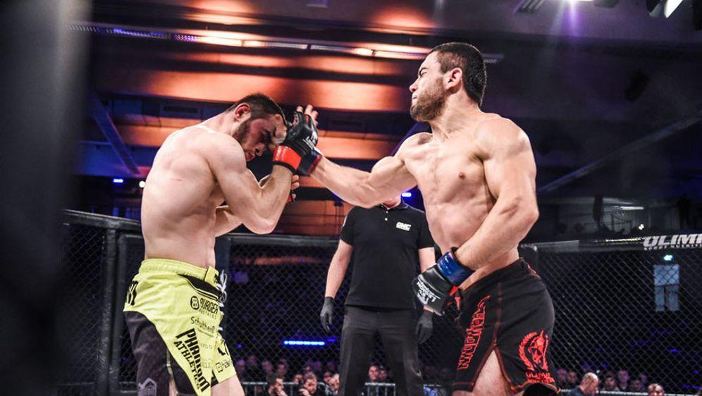 Loik Radzhabov (r.) kämpft um den Playoffeinzug - Bildquelle: Foto Seven Sports/GMC