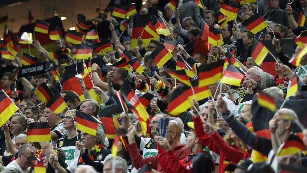 Deutschlands Flagge verkauft sich am besten - Bildquelle: FIROFIROSID