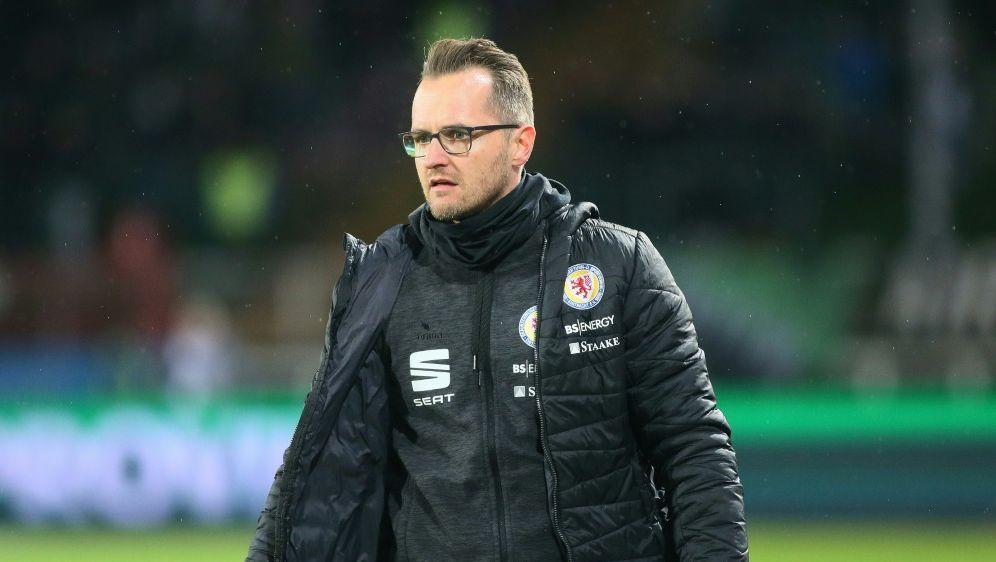 Eintracht Braunschweig trennt sich von Flüthmann - Bildquelle: FIROFIROSID