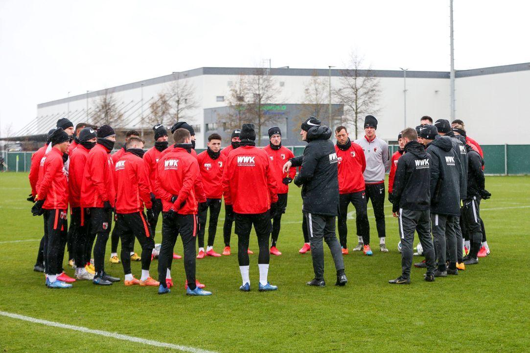 FC Augsburg - Bildquelle: imago images/kolbert-press
