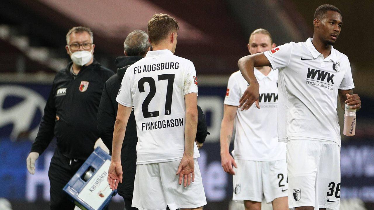 FC Augsburg - 12. Platz, 33 Punkte   - Bildquelle: Imago Images