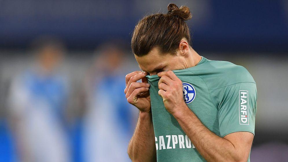 Die Schalker Spieler wurden in Gelsenkirchen ungemütlich empfangen - Bildquelle: 2021 Getty Images