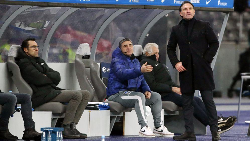 Bruno Labbadia holte mit Hertha BSC bis nach den 18. Spieltag der Saison 202... - Bildquelle: Imago