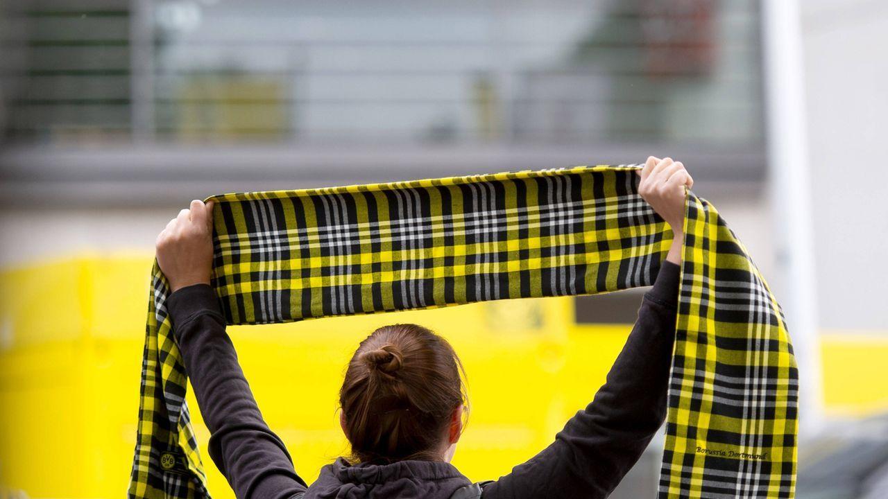 Verlierer: Fußball-Fans - Bildquelle: imago images/Noah Wedel
