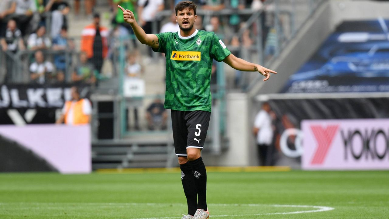 Tobias Strobl (Borussia Mönchengladbach)  - Bildquelle: imago images / Jan Huebner