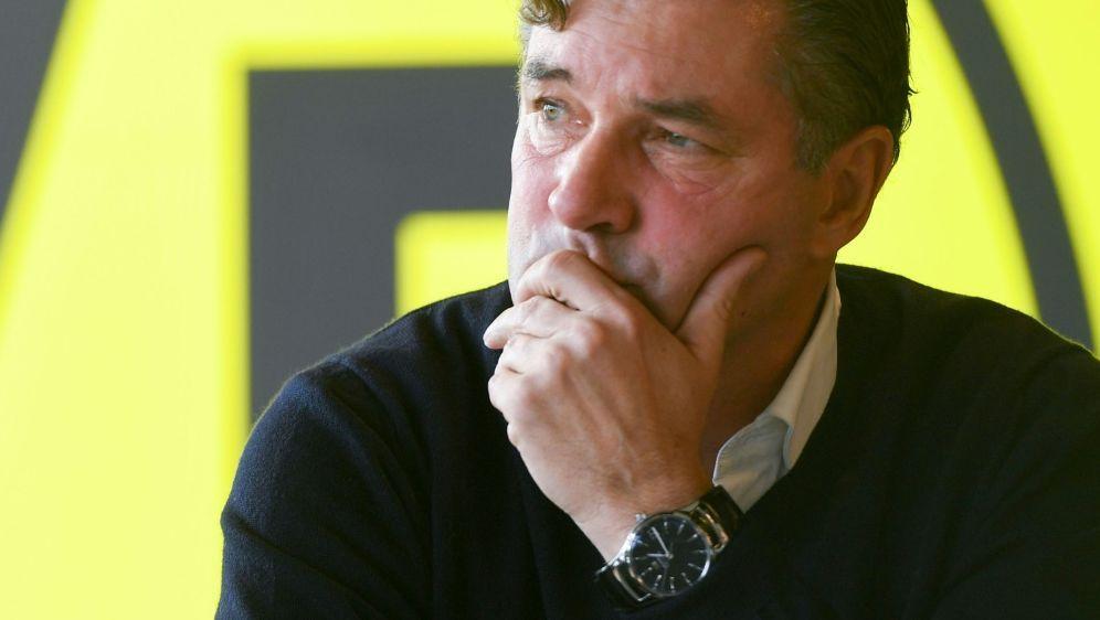 Setzt auf Mats Hummels: BVB-Sportdirektor Michael Zorc - Bildquelle: AFPSIDPATRIK STOLLARZ