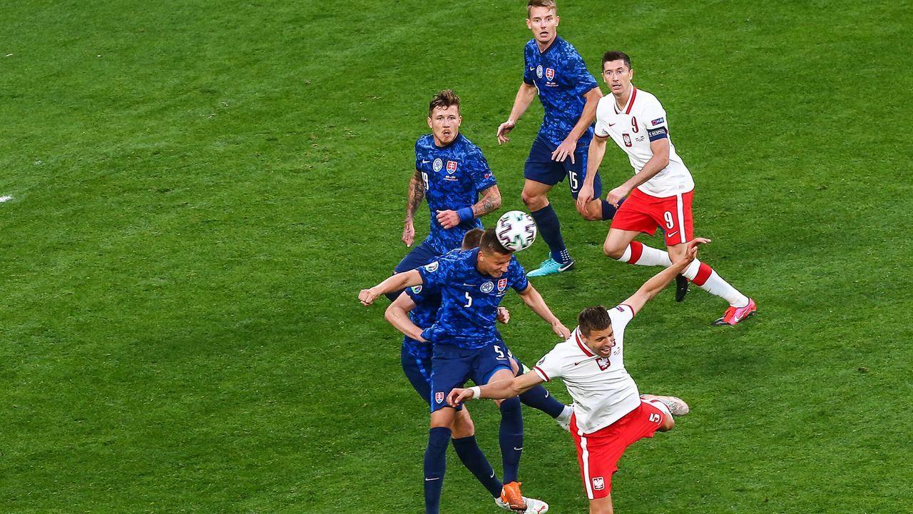 Wirkungsloser Weltfußballer - Bildquelle: imago images/Newspix