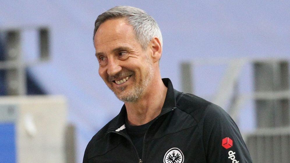 Adi Hütter will Frankfurt in die Champions League führen - Bildquelle: AFPSIDDANIEL ROLAND
