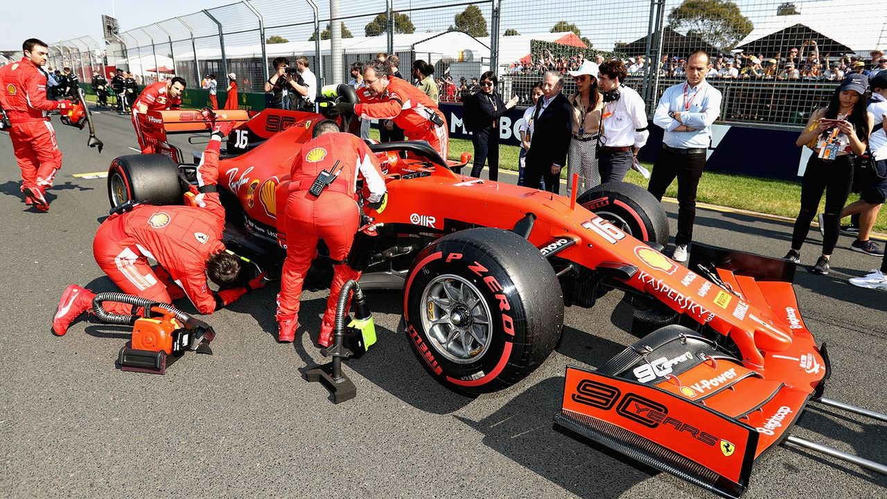Alarmstufe Rot bei Ferrari! - Bildquelle: 2019 Getty Images
