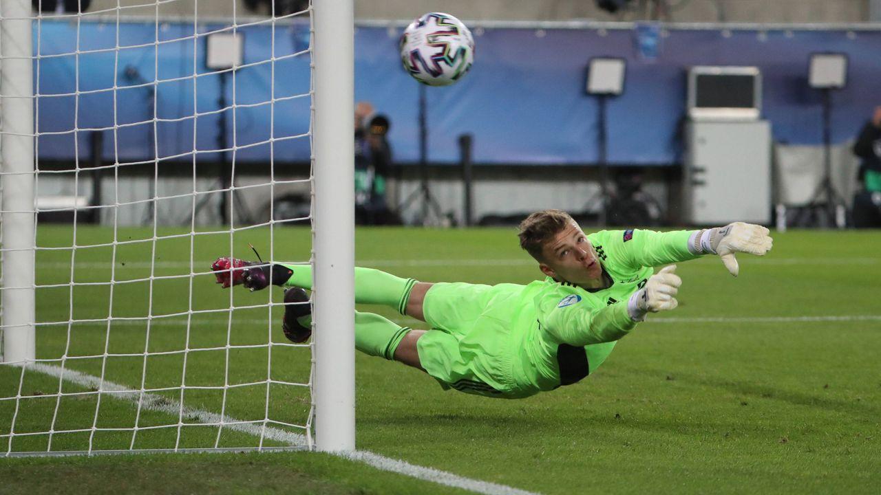 Finn Dahmen (1. FSV Mainz 05) - Bildquelle: imago images/Matthias Koch