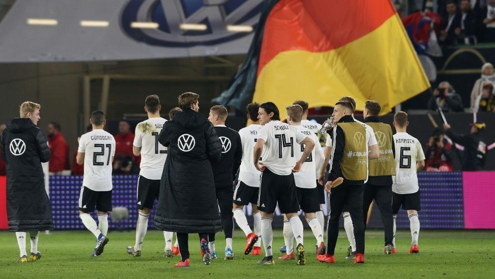 Fanfest: Die deutsche Nationalmannschaft lädt ein - Bildquelle: FIROFIROSID