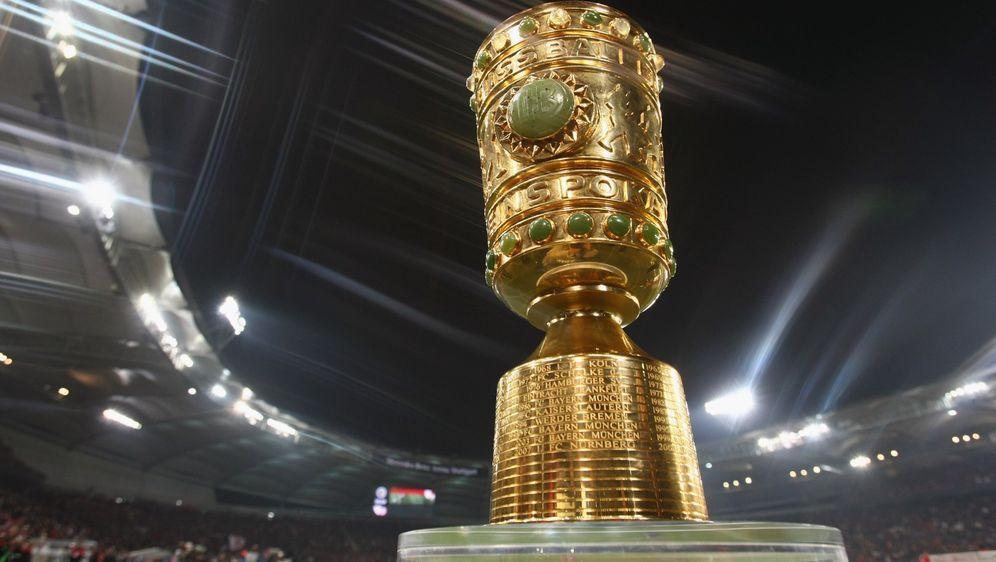 Die Auslosung der ersten Runde im DFB-Pokal gibt es live im Free-TV. Wir hab... - Bildquelle: Imago