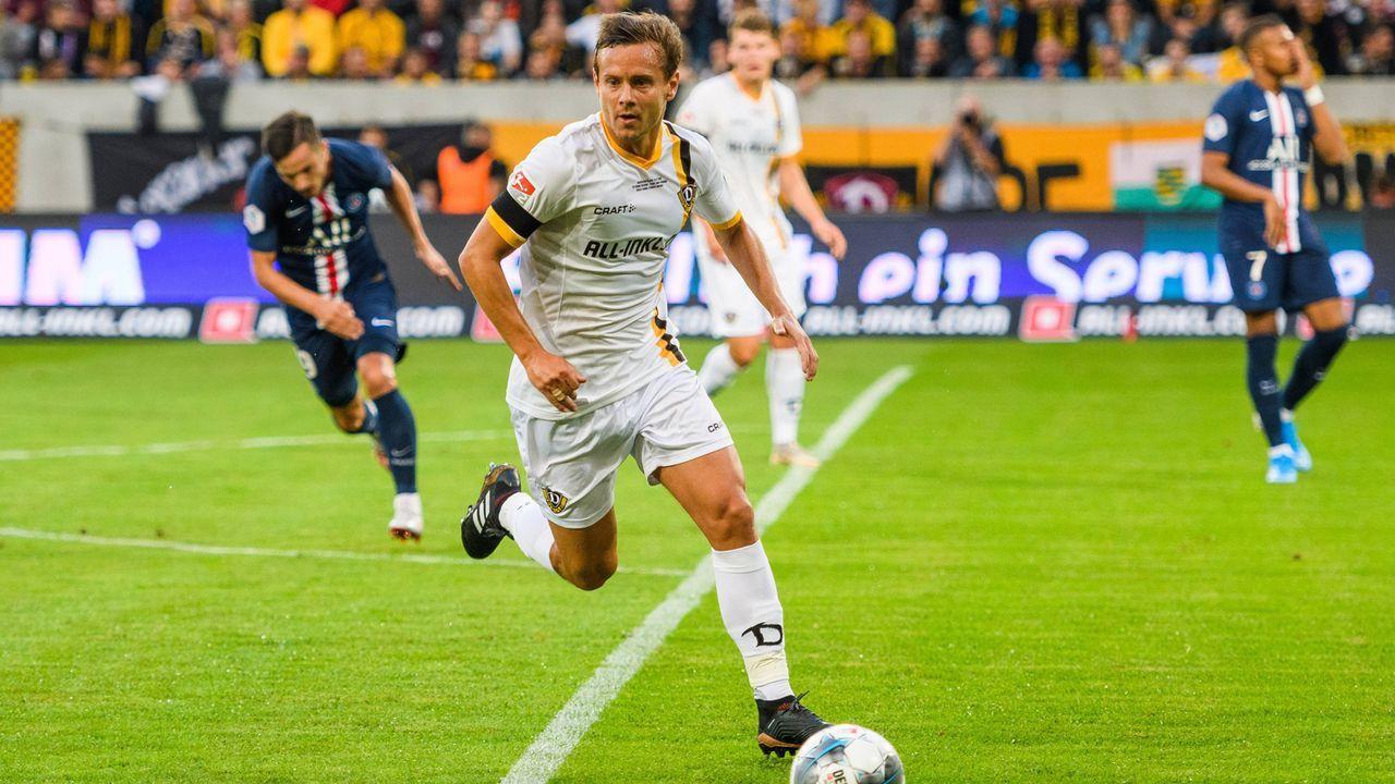 Abwehr - Chris Löwe (Dynamo Dresden) - Bildquelle: imago images / Dennis Hetzschold