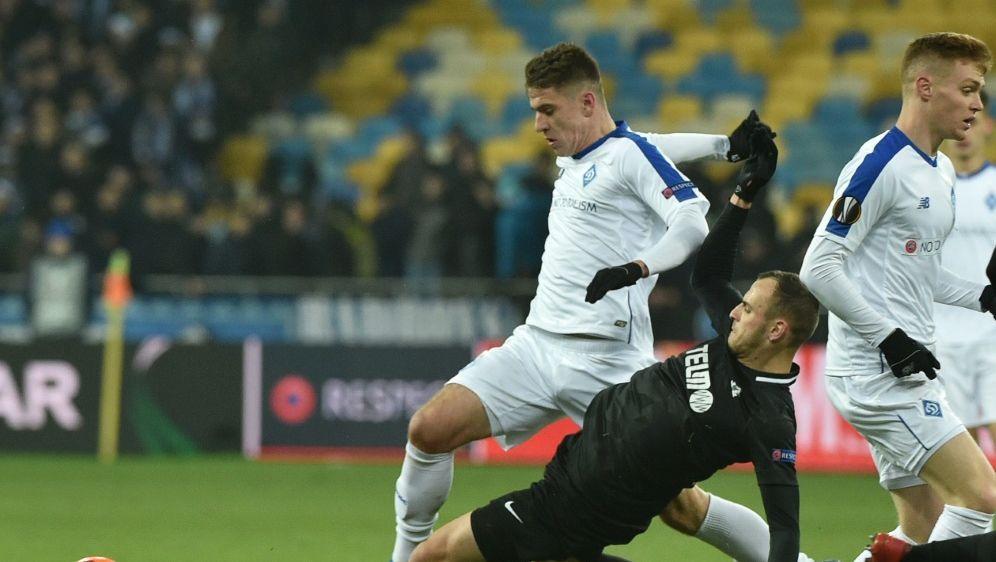 UEFA bestätigt Sperre für Artem Biesiedin (l.) - Bildquelle: AFPSIDGENYA SAVILOV