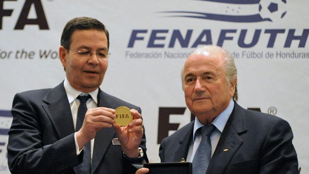 Joseph S. Blatter weist Vorwürfe der US-Behörden zurück - Bildquelle: AFPSIDArchivOrlando SIERRA