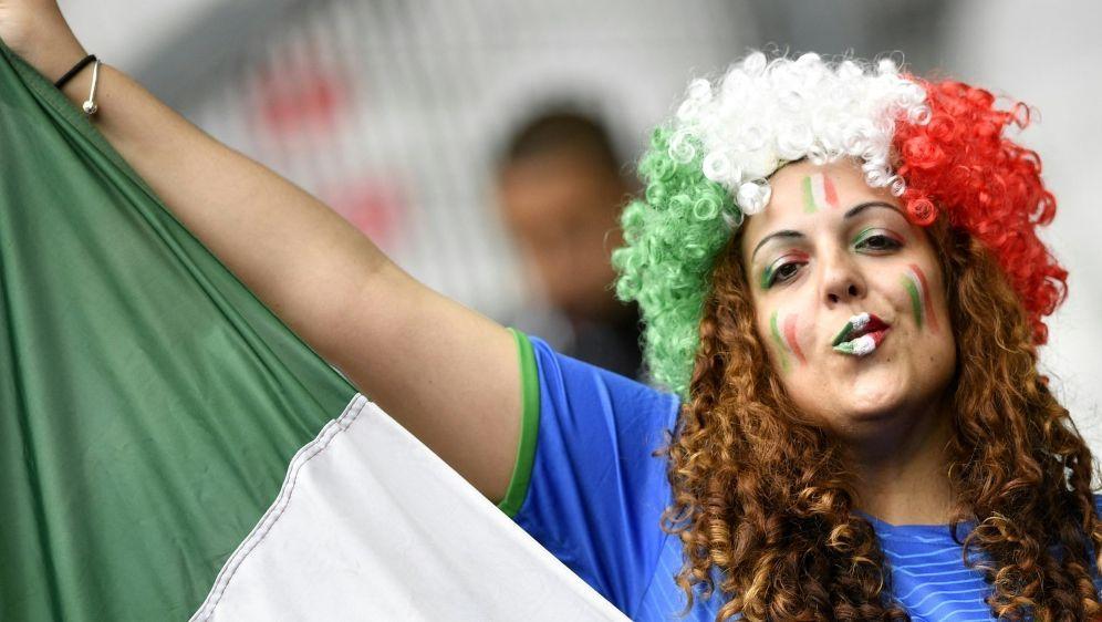 EM: In Rom sollen bis zu 15.000 Fans zugelassen werden - Bildquelle: AFPSIDMARTIN BUREAU