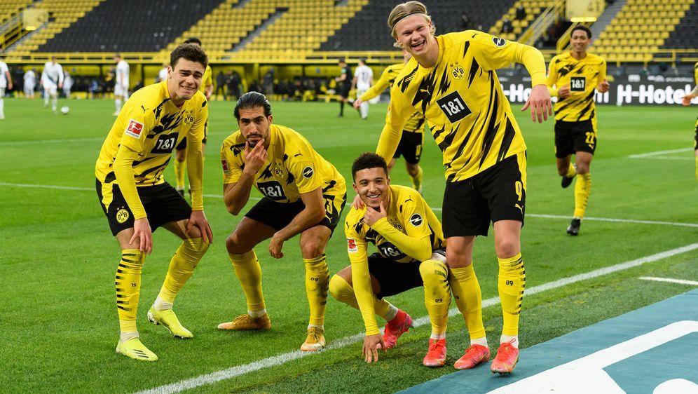 Borussia Dortmund bezwingt Arminia Bielefeld 3:0 - Bildquelle: Imago