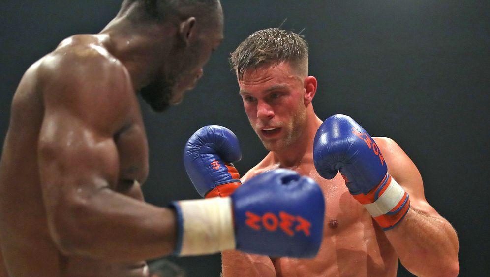 Sebastian Preuss hat seinen Weltmeistertitel im Thaiboxen knapp verteidigen ... - Bildquelle: Getty