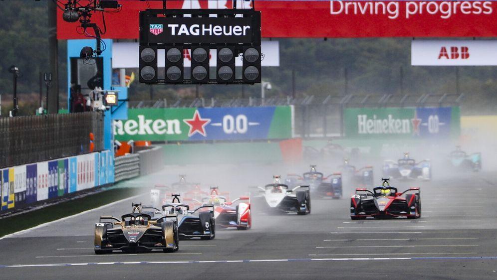 Felix da Costa glaubt nicht, dass er beim Re-start etwas falsch gemacht hat. - Bildquelle: Motorsport Images