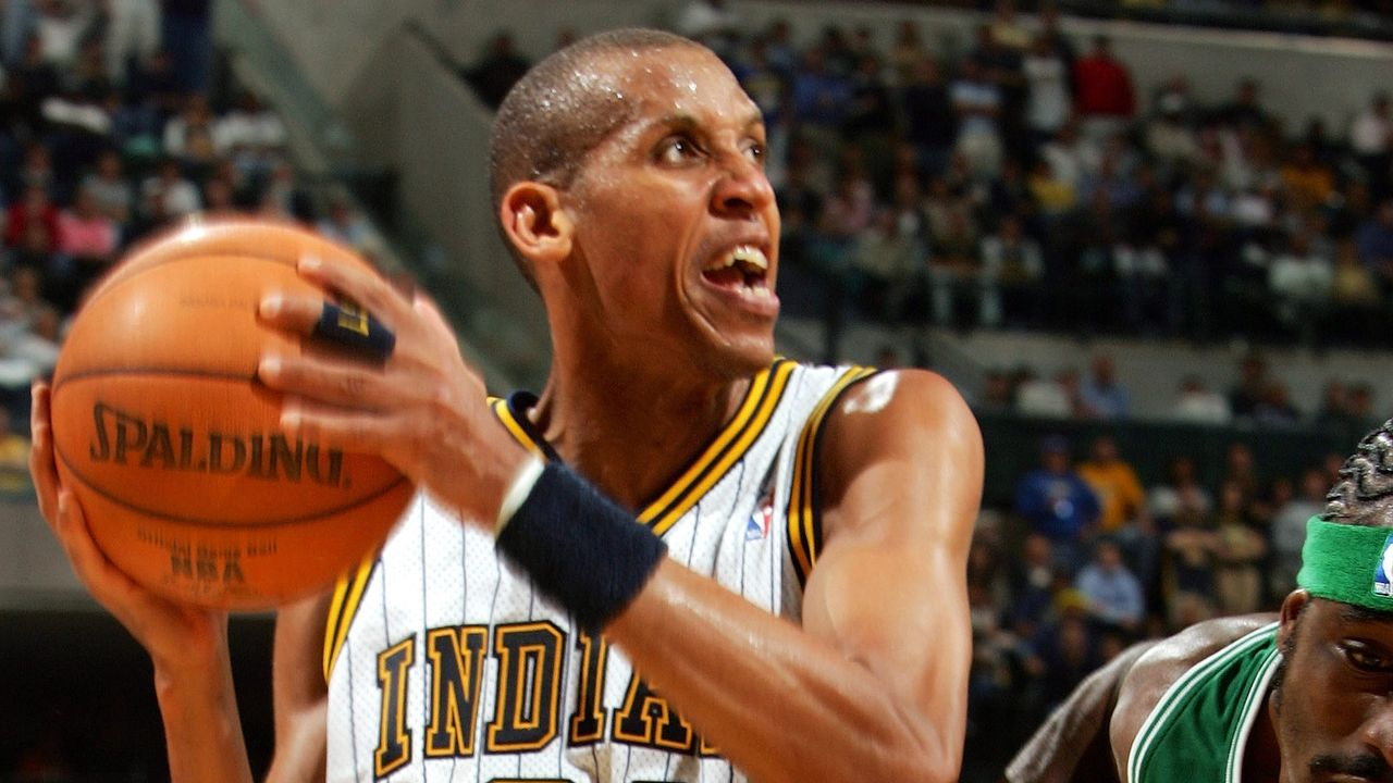 Reggie Miller (Indiana Pacers): 18 Jahre  - Bildquelle: 2005 Getty Images