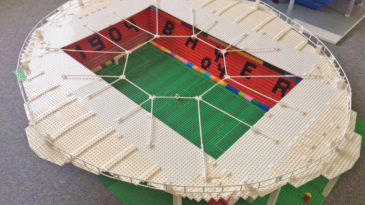 Bayer 04 Leverkusen - Bildquelle: Twitter @awaydayjoe