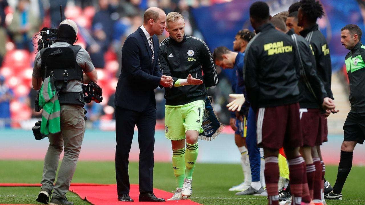 Kapitäne stellen Prinz William die Teams vor - Bildquelle: 2021 Getty Images