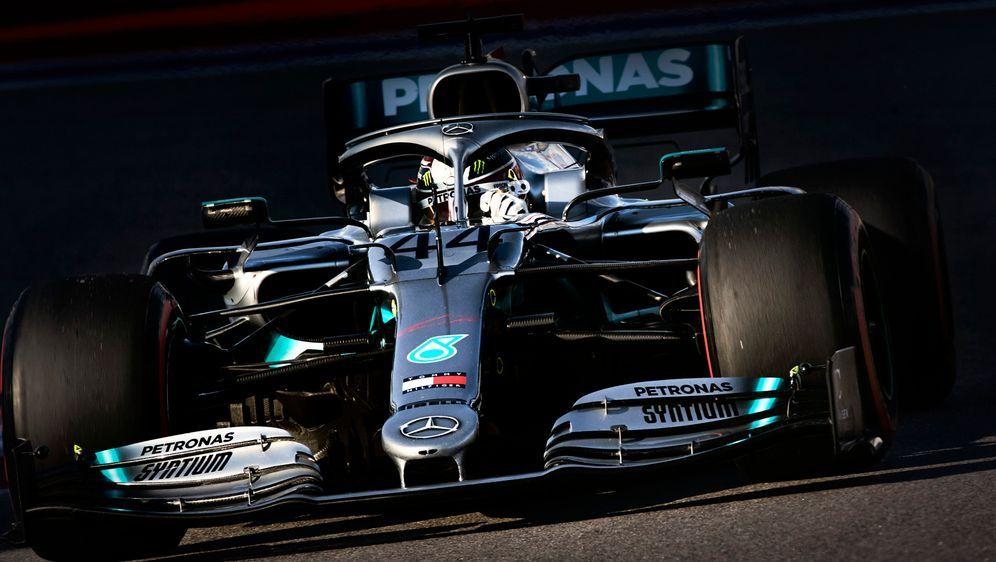 Mercedes greift nach rassistischen Vorfällen im Hauptquartier in England har... - Bildquelle: imago