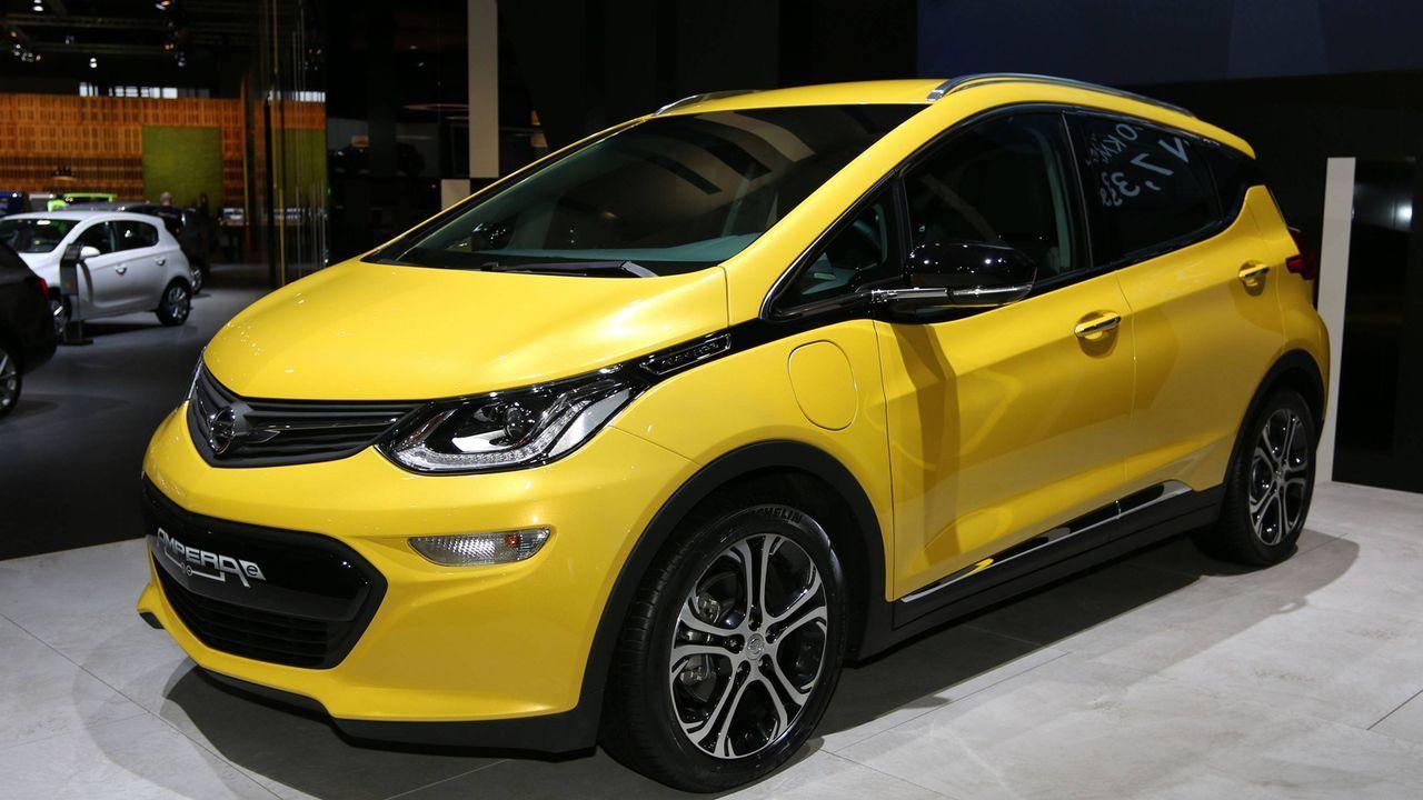 10. Opel Ampera-e First Edition - Bildquelle: imago/Sebastian Geisler