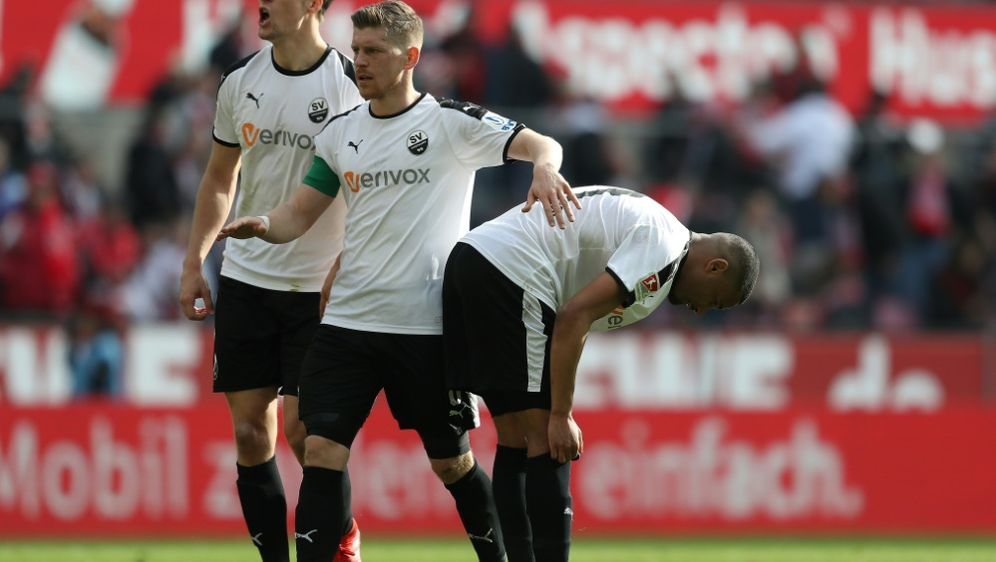 Erik Zenga (r.) wird dem SV Sandhausen lange fehlen - Bildquelle: FIROFIROSID