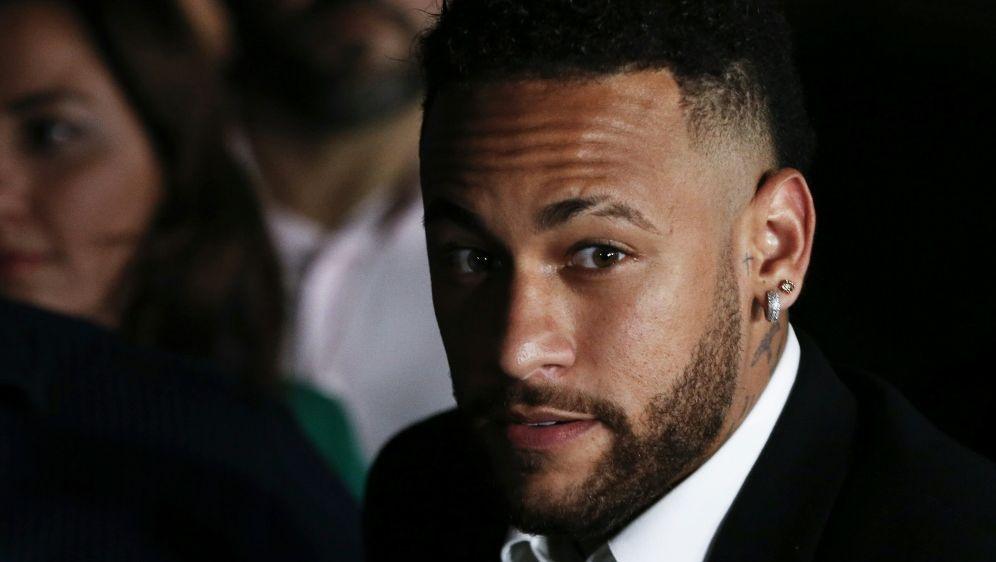 Superstar Neymar bleibt für drei CL-Partien gesperrt - Bildquelle: AFPSIDNELSON ALMEIDA