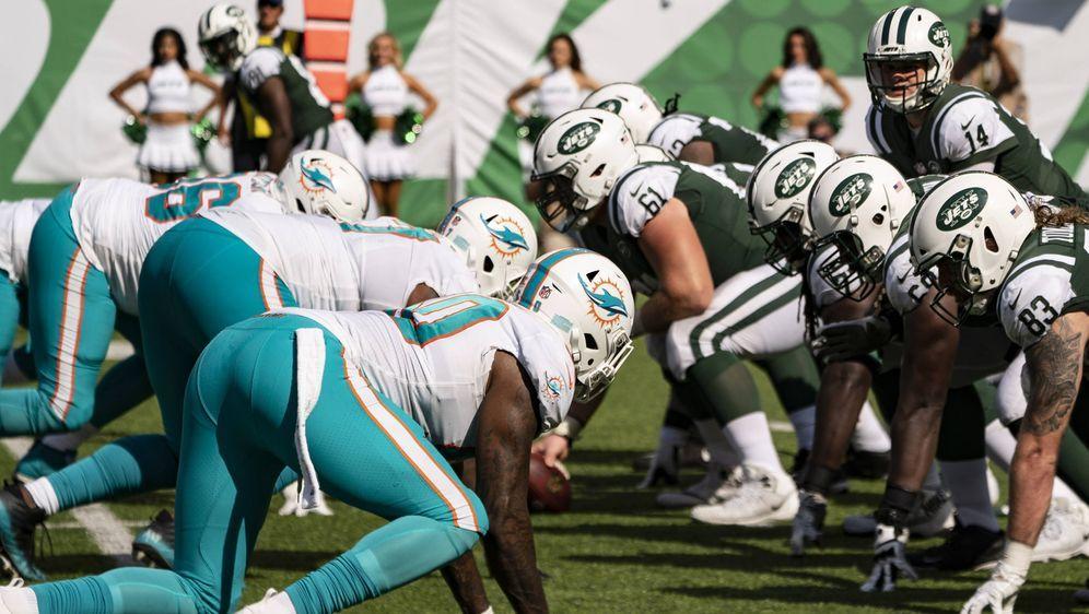 Ab der NFL Saison 2021 können die Spieler der Offensive und Defensive Line a... - Bildquelle: imago images/Icon SMI