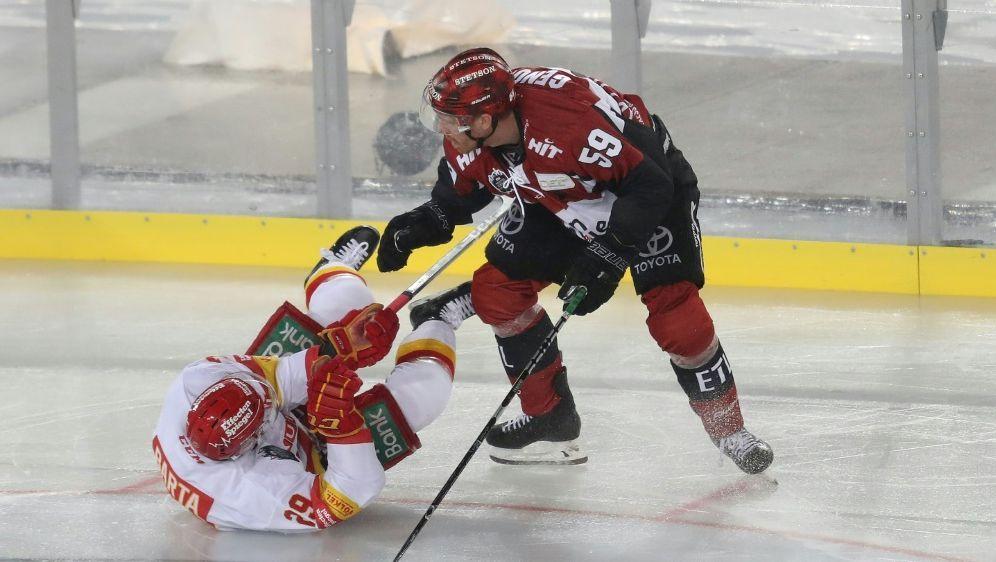 Schwere Zeiten für den Eishockeysport in Deutschland - Bildquelle: FIROFIROSID