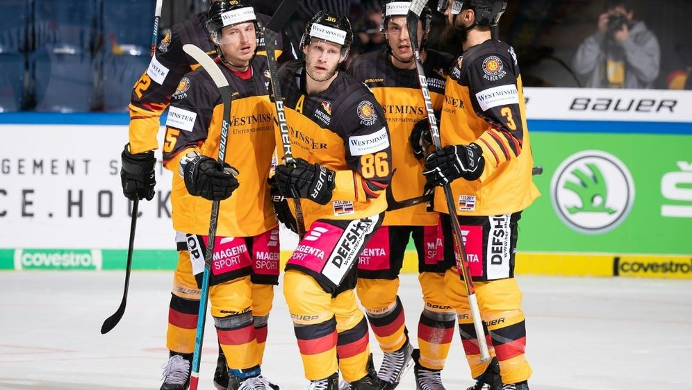Deutschland siegte zum Auftakt gegen Russland mit 4:3 - Bildquelle: Deutscher Eishockey-Bund e.V. (DEB)  City-Press GmbHDeutscher Eishockey-Bund e.V. (DEB)  City-Press GmbHDeutscher Eishockey-Bund e.V. (DEB)  City-Press GmbH