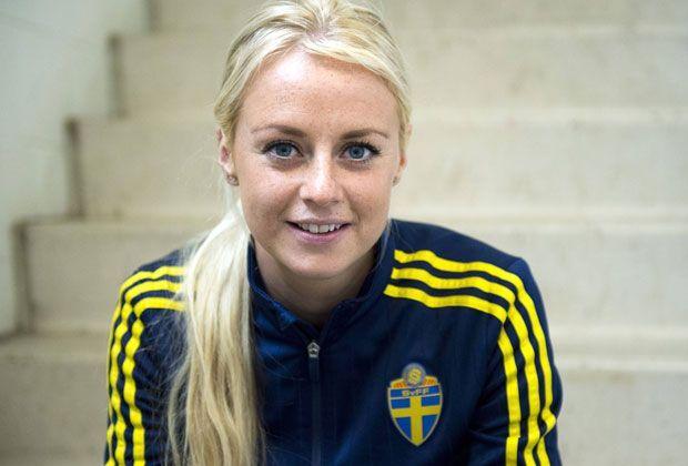 Frauen hübsch schwedische Swedish Wooden