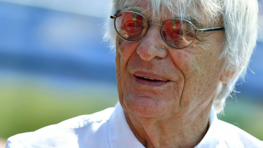Bernie Ecclestone glaubt an Vettels Titelchancen - Bildquelle: AFPSIDANDREJ ISAKOVIC