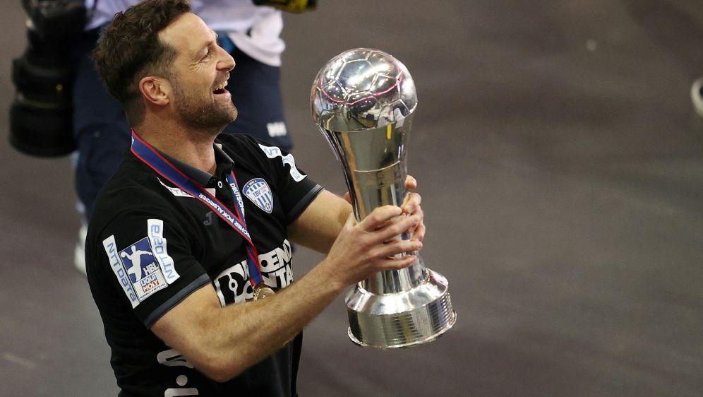 Florian Kehrmann verlängert in Lemgo - Bildquelle: FIROFIROSID