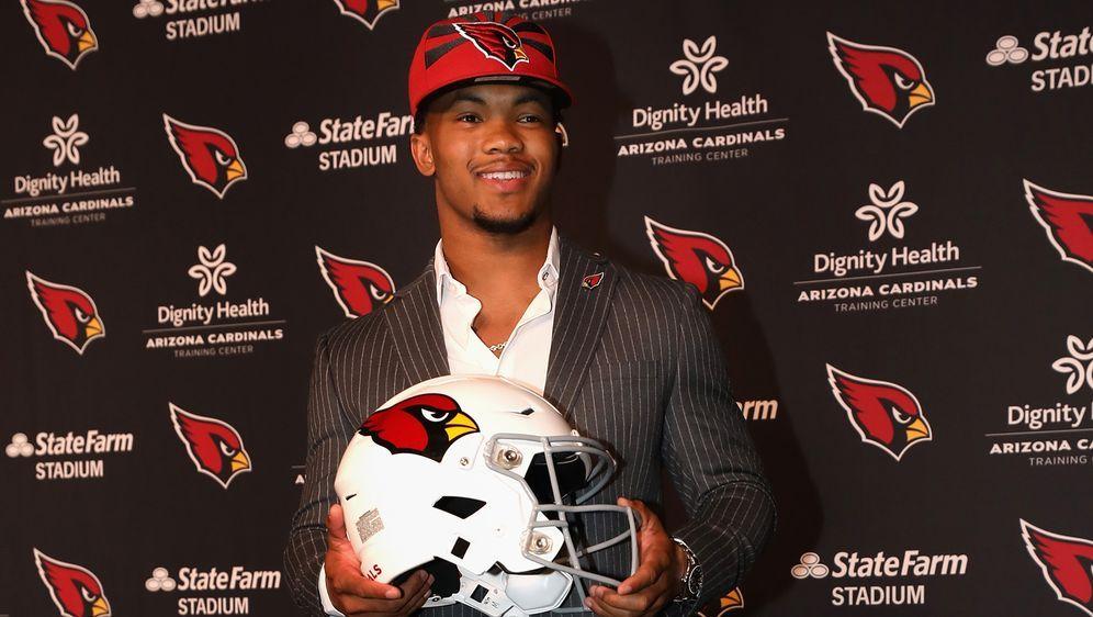 Kyler Murray wurde im Draft 2019 an erster Stelle von den Arizona Cardinals ... - Bildquelle: Getty