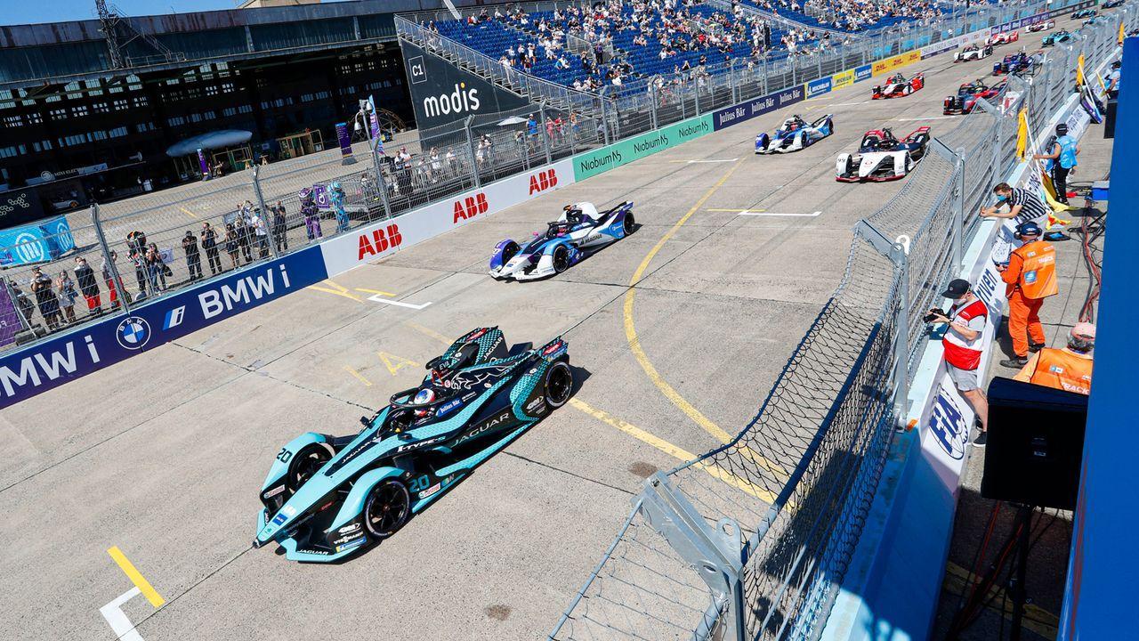 Teams und Fahrer der Formel E 2022 - Bildquelle: 2021 Jaguar Racing