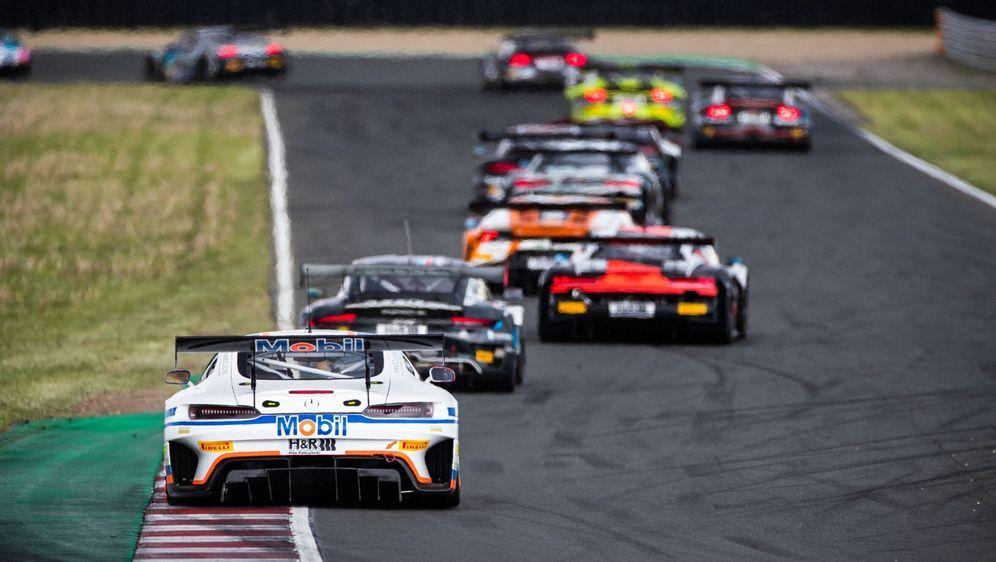 Vergangenes Wochenende startete das ADAC GT Masters in die neue Saison. - Bildquelle: ADAC Motorsport