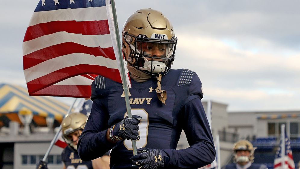 Cameron Kinley im Trikot der Navy Midshipmen - Bildquelle: imago