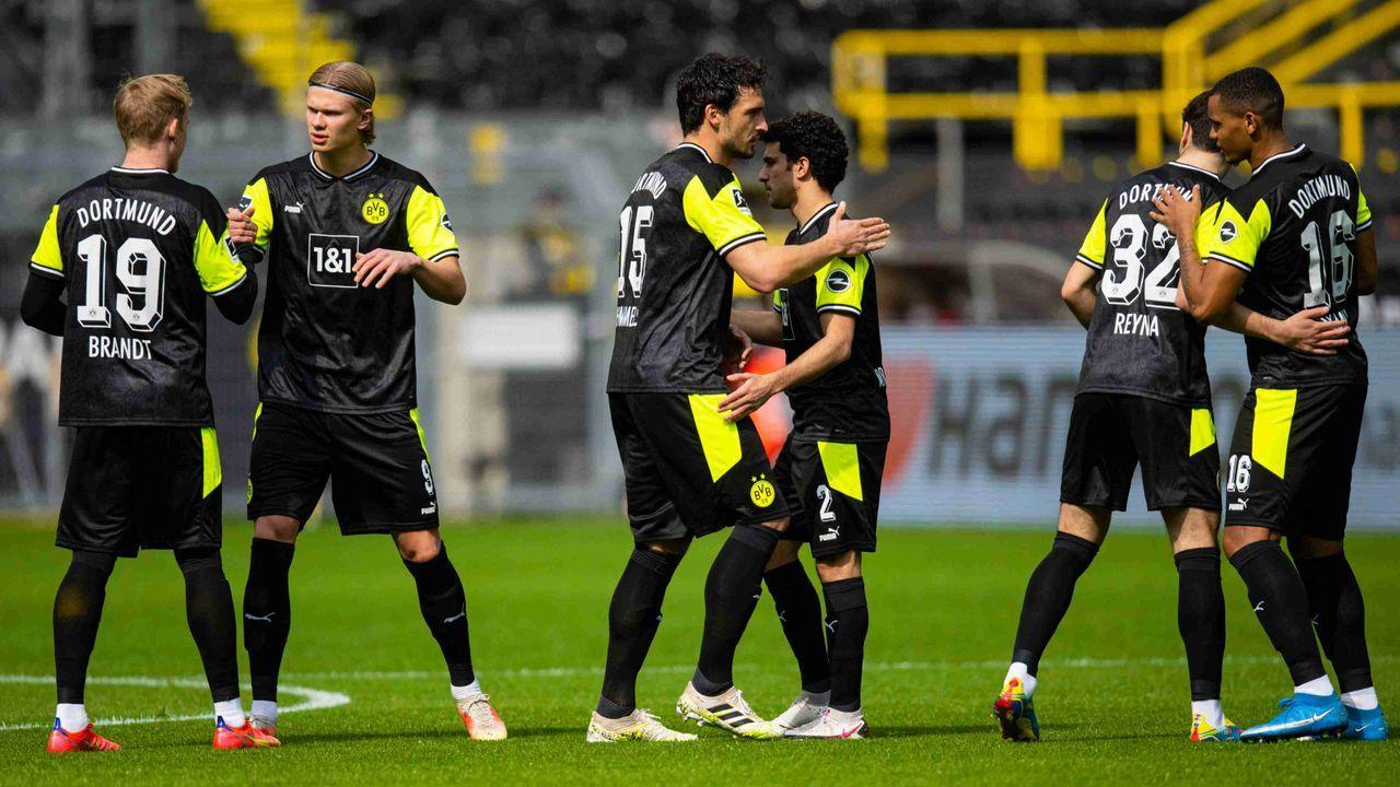 Borussia Dortmund ( #NULLNE90N-Trikot) - Bildquelle: imago