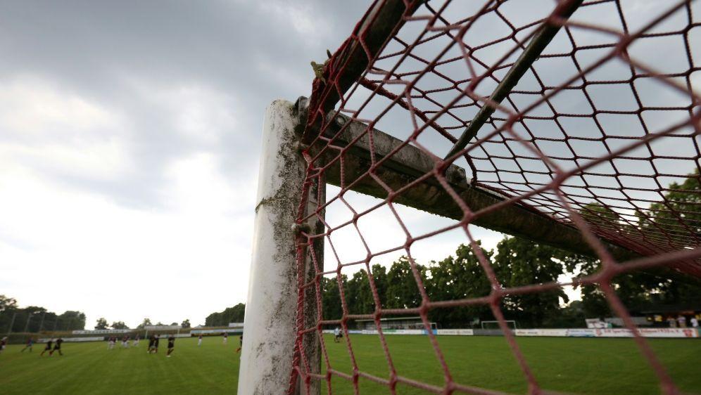 Hahn kritisiert die Verlängerung des Lockdowns im Sport - Bildquelle: FIROFIROSID