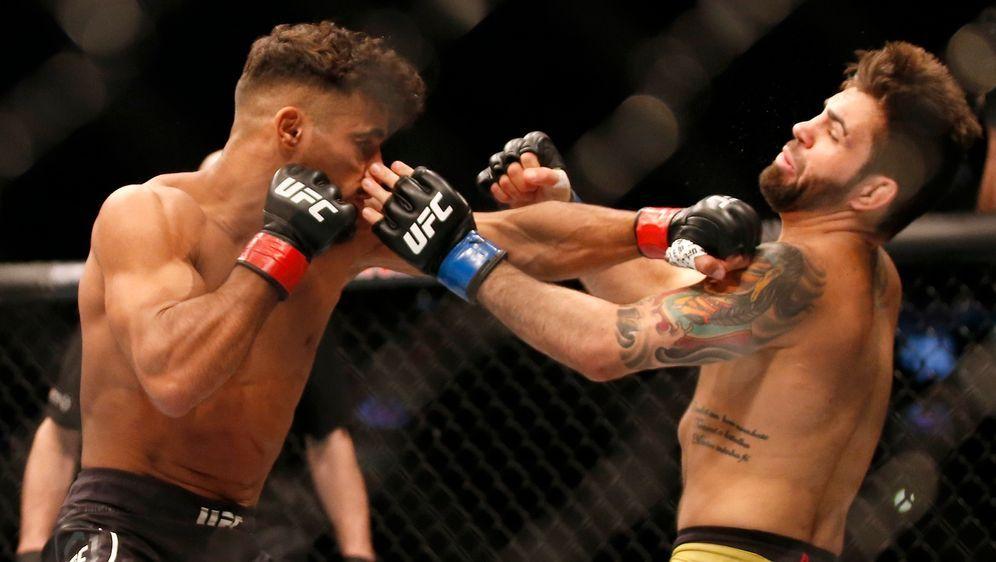 Khalid Taha (li.) dominierte gegen Bruno Silva (re.) den Standkampf - Bildquelle: Getty Images