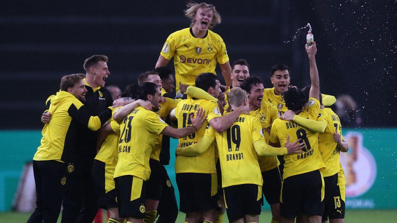 Junge Dortmunder außer Rand und Band - Bildquelle: 2021 Getty Images