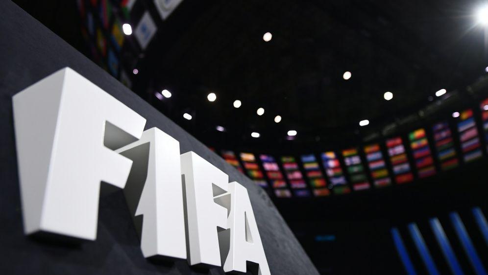 Die FIFA verschärft ihre Strafen gegen Rassismus - Bildquelle: AFPSIDFRANCK FIFE