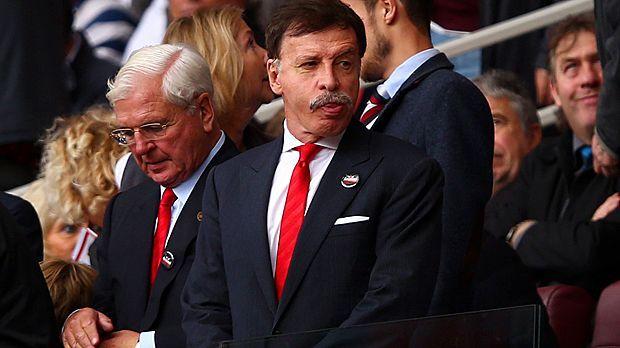 Platz 4: Stan Kroenke (FC Arsenal) - 5,6 Milliarden Euro - Bildquelle: 2014 Getty Images