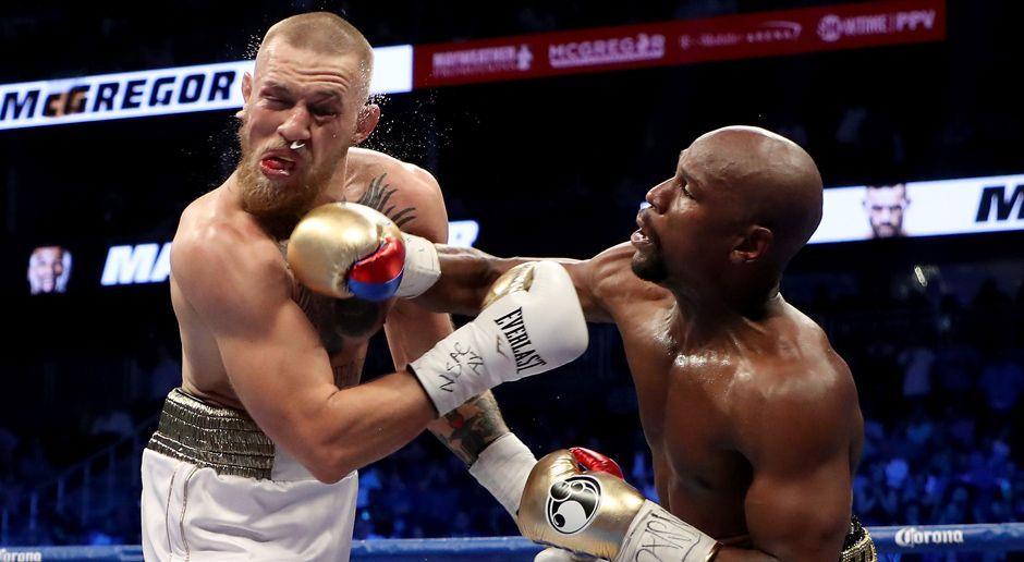 Mayweather schlägt McGregor - Bildquelle: Getty Images