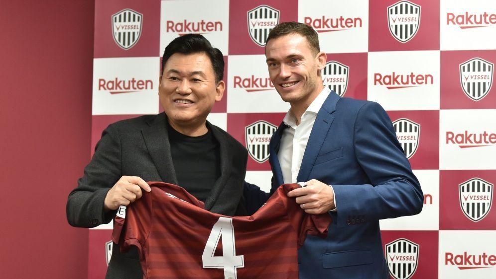Thomas Vermaelen wird Teamkollege von Lukas Podolski - Bildquelle: AFPSIDKAZUHIRO NOGI