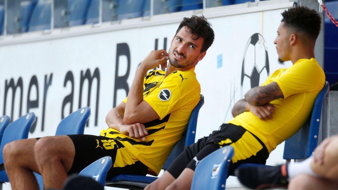 Borussia Dortmund (zehn Spieler) - Bildquelle: imago images/Norbert Schmidt