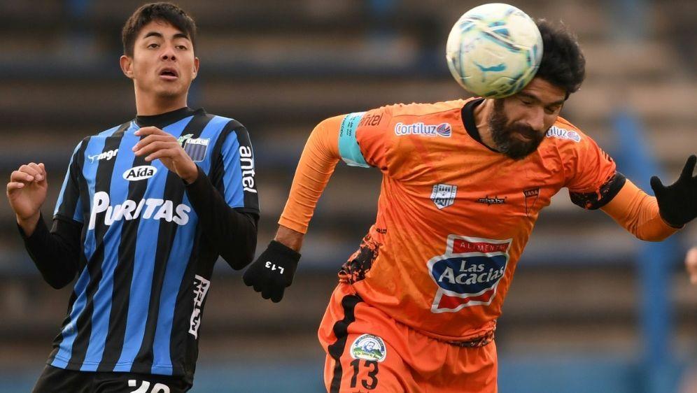 Letztes Spiel für Sebastian Abreu (r.) - Bildquelle: AFPSIDPABLO PORCIUNCULA
